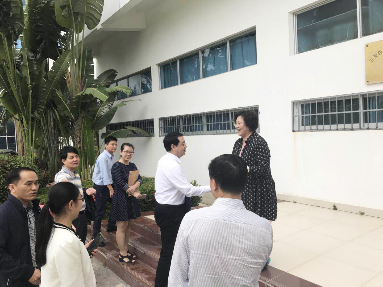中央组织部组织二局办公室主任梁小强一行领导到三亚百泰视察