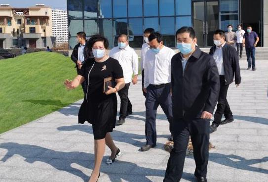 三亚市人民政府花兴副市长一行莅临百泰生物调研指导